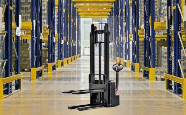 A series mini range pallet stacker (double column).2