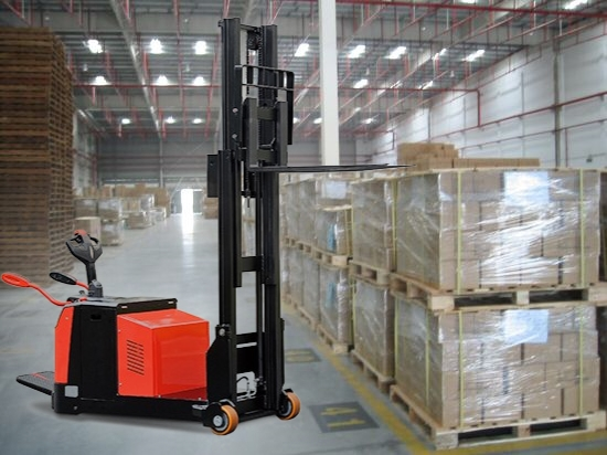 Electric counterbalanced stacker.3